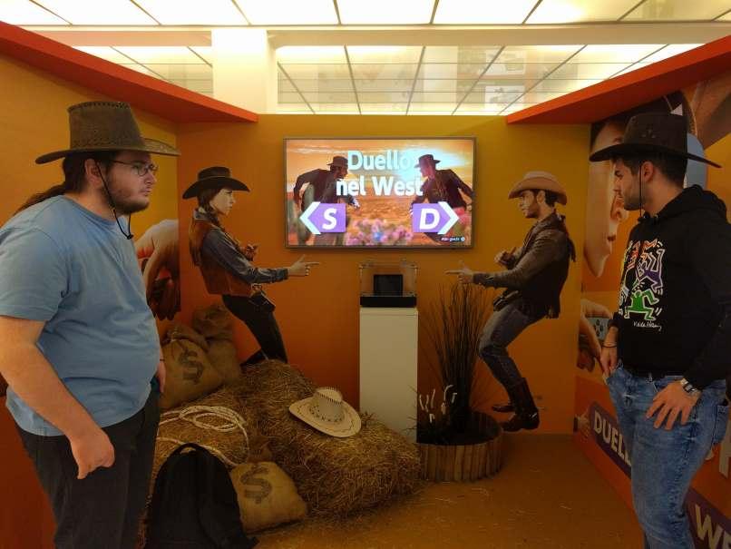 Cappelli da cowboy e gioco venduti separatamente.